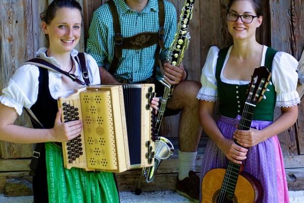 Menglstuadl Trio